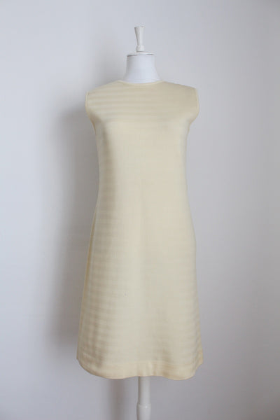 VINTAGE KNITTED JERSEY DRESS CREAM - SIZE 12