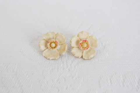 VINTAGE MOLDED LUCITE FLOWER EARRINGS