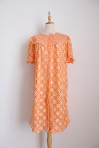 VINTAGE PEACH LACE NYLON NIGHTIE - SIZE M