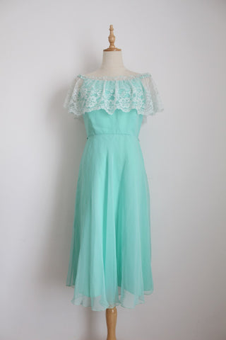 VINTAGE MINT GREEN LACE CHIFFON COCKTAIL DRESS - SIZE 8