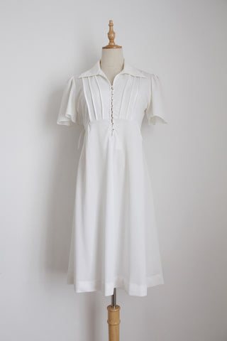 VINTAGE WHITE FLARED TIE WAIST DRESS - SIZE 10