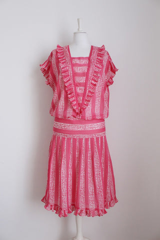 VINTAGE PINK WHITE PRINT RUFFLED DRESS - SIZE 12