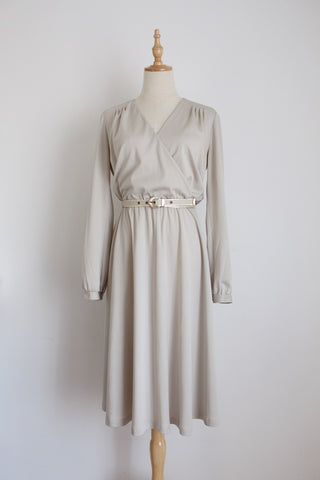 VINTAGE GREY BELTED CROSS BUST DRESS - SIZE 10