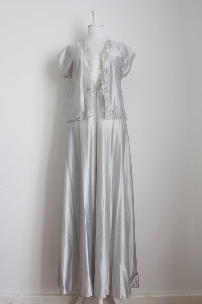 VINTAGE SILVER TWO PIECE NIGHT GOWN SET - SIZE 10