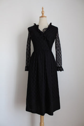 VINTAGE BLACK LACE RUFFLE COCKTAIL DRESS - SIZE 6