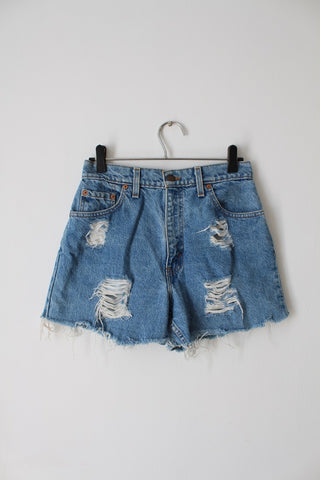*LEVI'S* DESIGNER VINTAGE BLUE CUT OFF DENIM JEANS SHORTS - SIZE 8