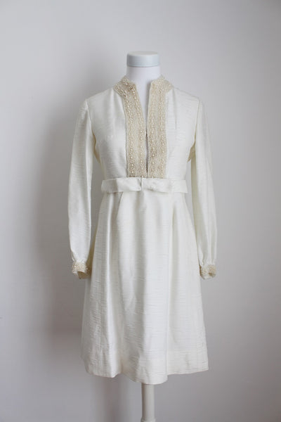VINTAGE BEADED IVORY LONG SLEEVE WEDDING DRESS - SIZE 8