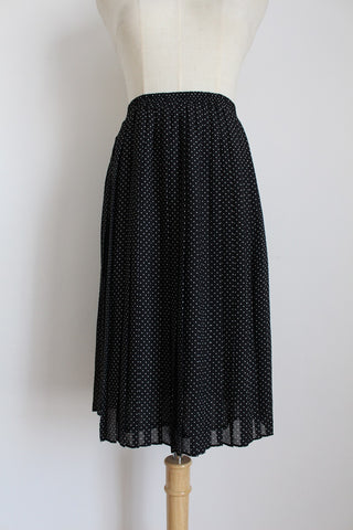 VINTAGE POLKA DOT PRINT BLACK PLEATED SKIRT - SIZE 8