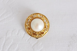 VINTAGE FAUX PEARL GOLD TONE SCARF CLIP RING