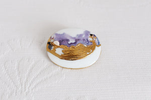VINTAGE PORCELAIN PAINTED OVAL BROOCH PIN