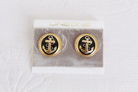 VINTAGE ANCHOR BLACK ENAMEL GOLD TONE STUD EARRINGS