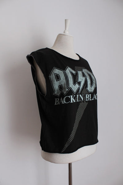 ACDC BACK IN BLACK CUT-OFF SLEEVE BAND TSHIRT - SIZE M