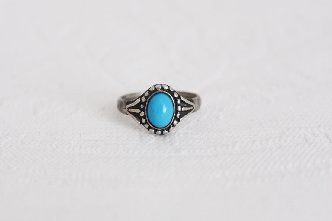 VINTAGE STERLING SILVER TURQUOISE RING - SIZE Q