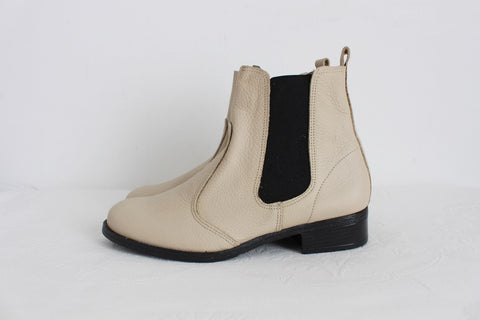 NEW GENUINE LEATHER CREAM CHELSEA BOOTS - SIZE 4