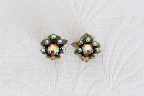 VINTAGE RHINESTONE GOLD TONE LEAF CLIP-ON EARRINGS