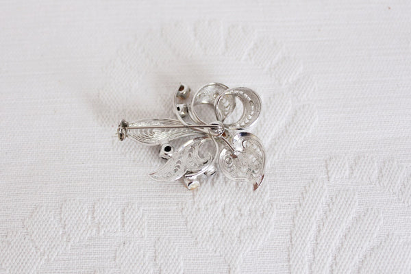 VINTAGE FILIGREE STYLE SILVER TONE BROOCH PIN