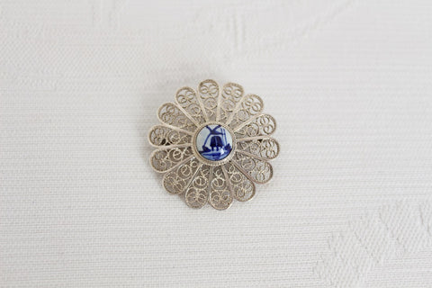 DELFT STYLE SILVER VINTAGE FILIGREE BROOCH PIN