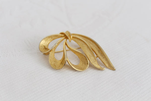 VINTAGE GOLD TONE ABSTRACT BROOCH PIN