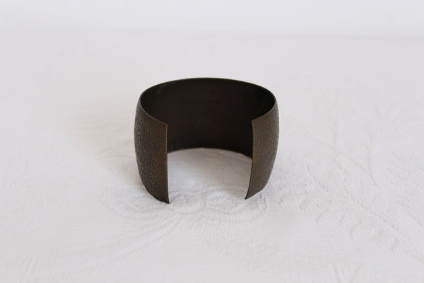 VINTAGE PEBBLED BRASS CUFF BANGLE