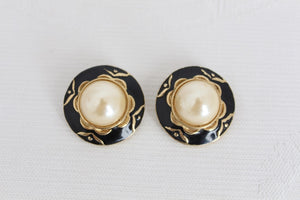 VINTAGE FAUX PEARL BLACK GOLD CLIP-ON EARRINGS