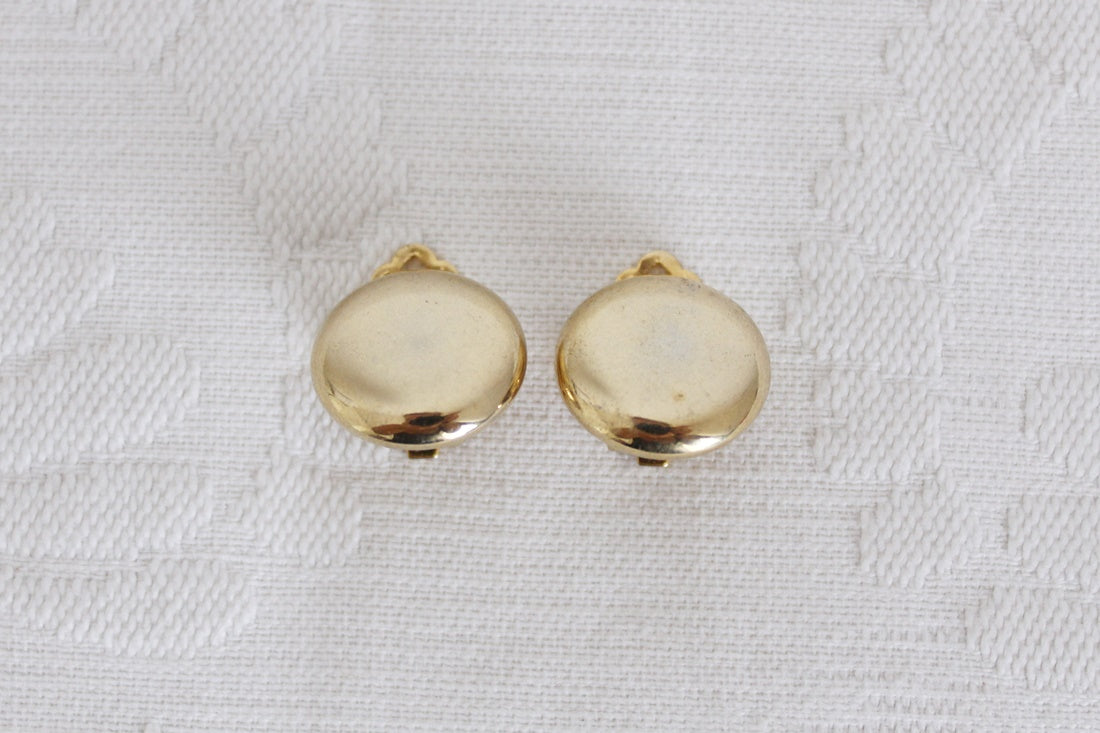 VINTAGE GOLD TONE ROUND CLIP-ON EARRINGS