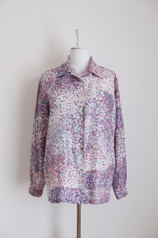 100% SILK VINTAGE PRINTED LILAC BLOUSE - SIZE 16
