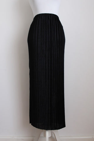 VINTAGE BLACK PLEATED SKIRT - SIZE L