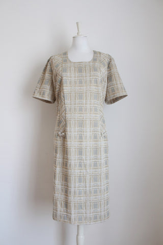 VINTAGE CHECK PRINT CRIMPLENE SHIFT DRESS - SIZE 22