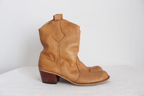 VINTAGE GENUINE LEATHER TAN WESTERN BOOTS - SIZE 9.5