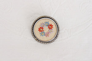 VINTAGE NEEDLEPOINT FLORAL BROOCH PIN