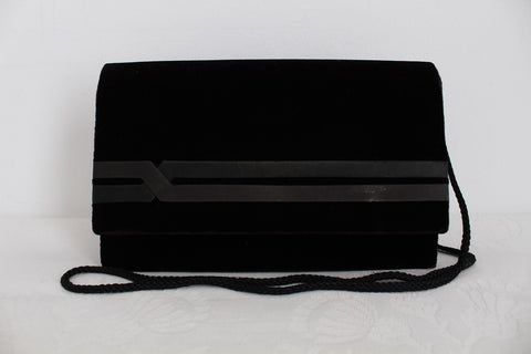 VINTAGE VELVET BLACK SLING EVENING BAG