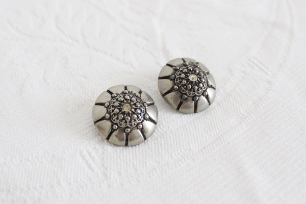 VINTAGE SILVER TONE RHINESTONE DOME CLIP-ON EARRINGS