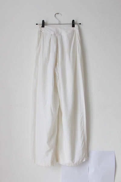 VINTAGE WHITE WIDE LEG TROUSERS - SIZE 6