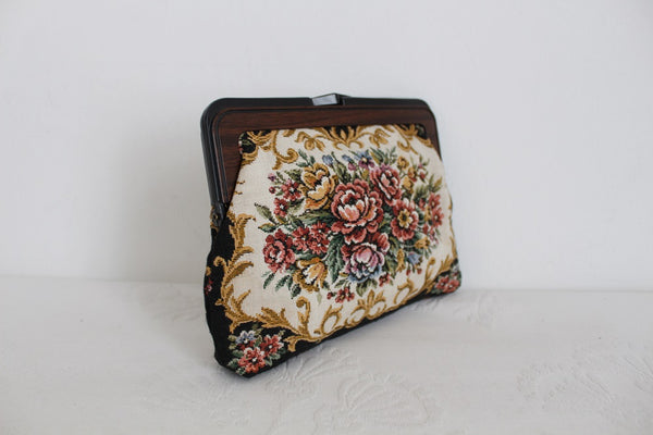 VINTAGE FLORAL TAPESTRY SMALL CLUTCH PURSE
