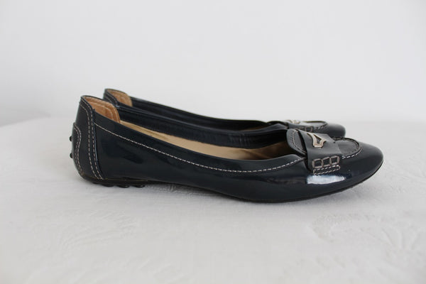 TOD'S DESIGNER PATENT LEATHER FLATS - SIZE 7