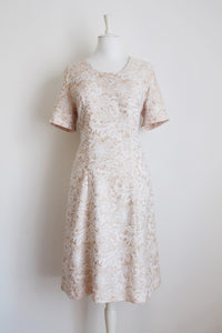 VINTAGE STYLE FLORAL WHITE BEIGE DRESS - SIZE 12