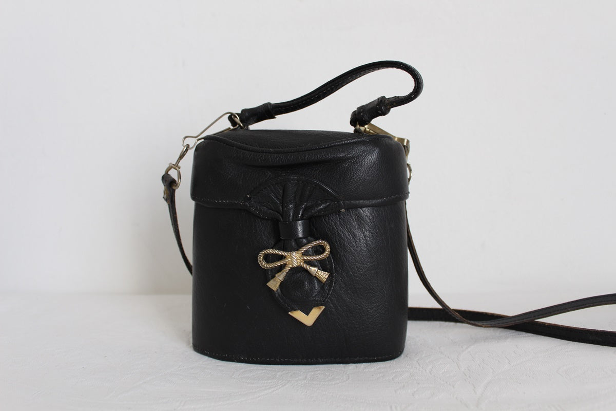 VINTAGE BOW KNOT BLACK GENUINE LEATHER POUCH