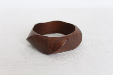 VINTAGE SOLID WOOD CARVED BANGLE