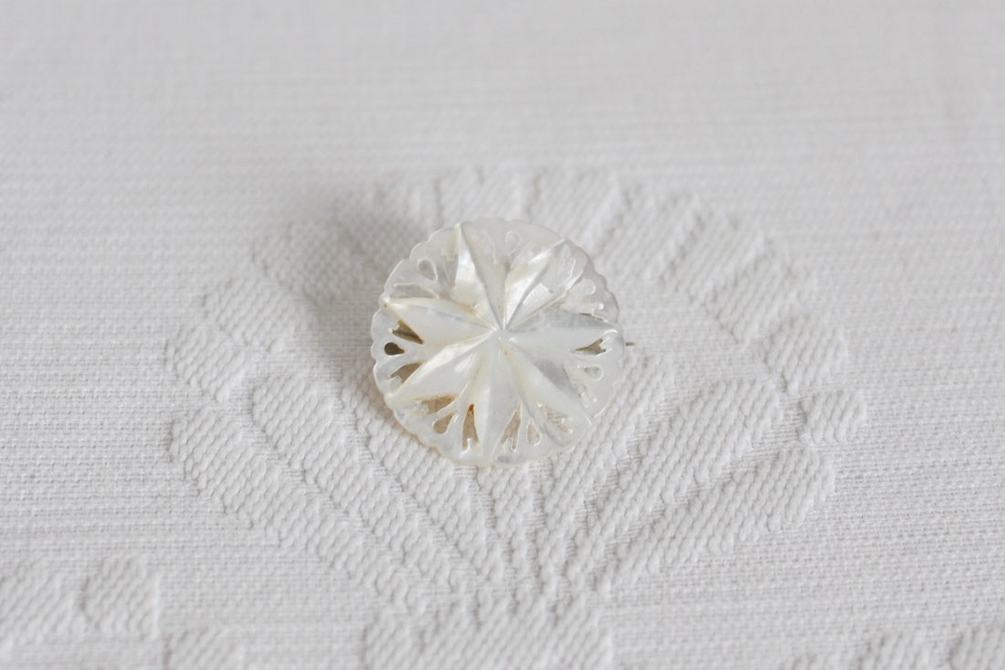 VINTAGE MOTHER OF PEARL CARVED BROOCH PIN
