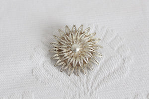 VINTAGE SUNBURST FILIGREE WIRE BROOCH PIN