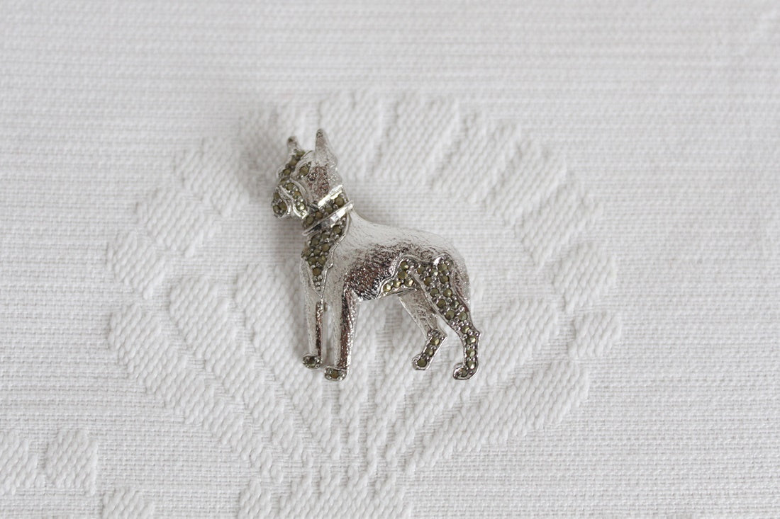 VINTAGE BOXER DOG MARCASITE SILVER PLATED BROOCH PIN
