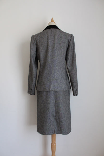 GUY LAROCHE PARIS DESIGNER VINTAGE WOOL SUIT - SIZE 10