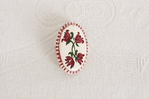 HAND PAINTED VINTAGE FLORAL PORCELAIN BROOCH PIN