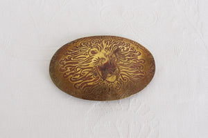 VINTAGE LION HEAD BRASS ETCHED BELT BUCKLE