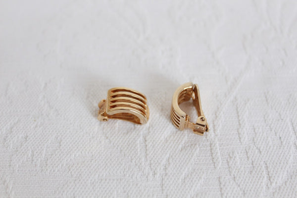 VINTAGE GOLD TONE STRIPE CUFF CLIP-ON EARRINGS