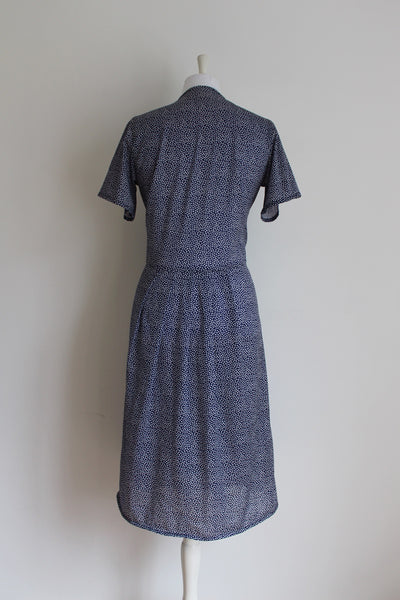 VINTAGE POLKA DOT PRINT BLUE WHITE PLEATED DAY DRESS - SIZE 12