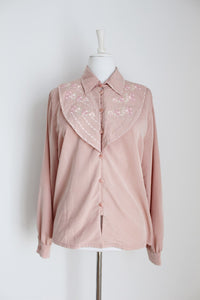 VINTAGE PINK EMBROIDERED BIB COLLAR BLOUSE - SIZE 14