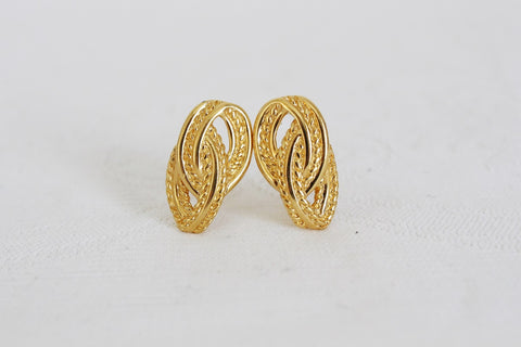 MONET DESIGNER VINTAGE GOLD TONE KNOT CLIP-ON EARRINGS