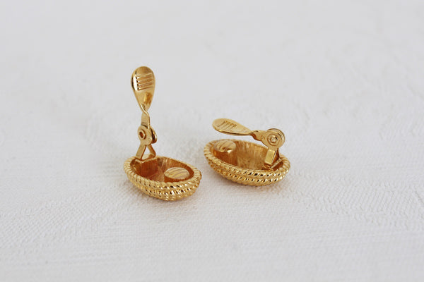 MONET DESIGNER VINTAGE GOLD TONE ROPE CLIP-ON EARRINGS