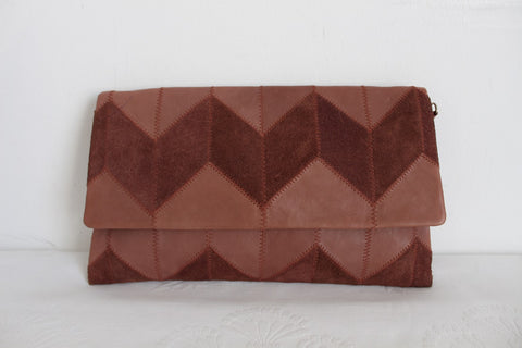 GENUINE LEATHER VINTAGE CHEVRON PATCH CLUTCH BAG